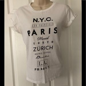 Forever 21 graphic tee Small